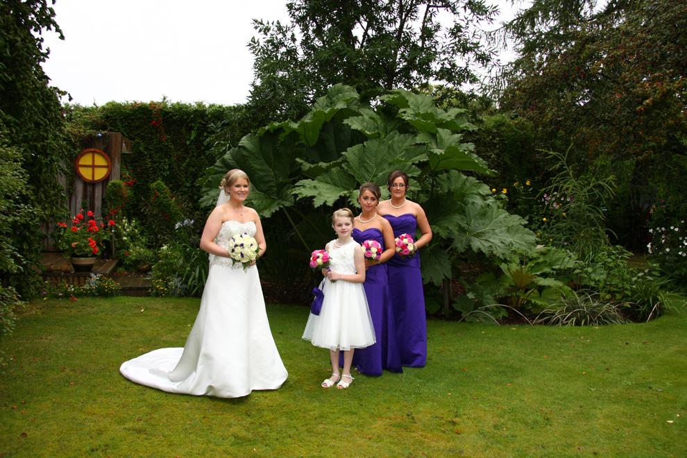 wedding-bride-bridesmaid